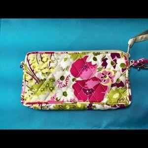Vera Bradley NWOT Wristlet Clutch Purse Wallet